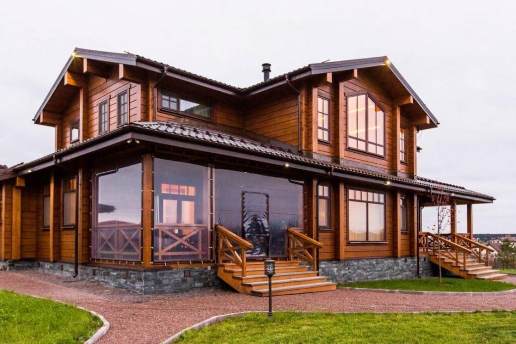 Достоинства и недостатки деревянных домов из клееного бруса